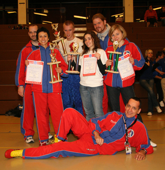 manustrophy07team.jpg