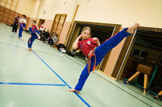 kindertraining-10-lisa-kick.jpg