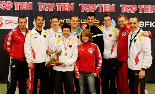 Erfolgreiches Leichkontaktteam (1 x Gold, 2 x Silber, 1 x Bronze und ein 5. Platz)  mit Landestrainer Andreas Riem + Jimmy Iwinski
