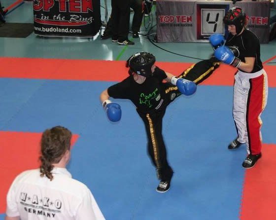 Kirsten (links) unterliegt knapp im Finale und gewinnt Silber