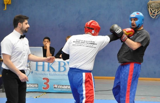 Erik (links) gewinnt Gold gegen Kiu