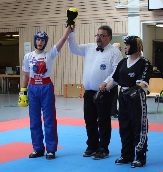 Anna-Lena (links) dominiert und gewinnt Gold