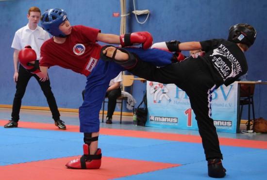 Ilias (links) mit Kick