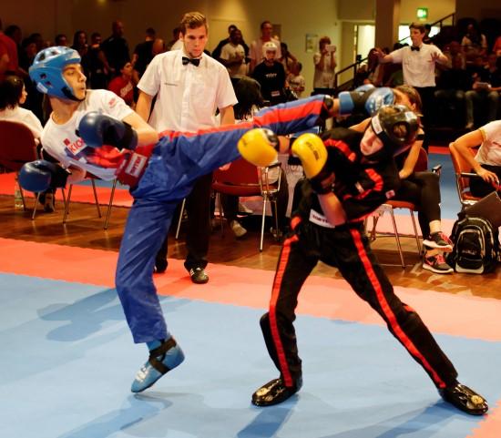 Jan (links) gewinnt im Point Fighting Bronze
