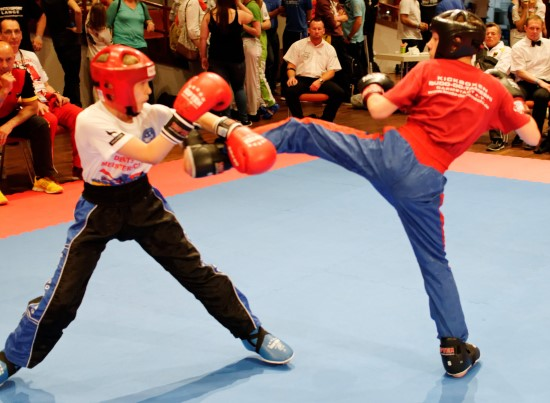 Vladislav (rechts) gewinnt Silber im Leichtkontakt