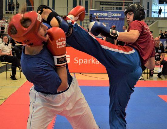 Niklas (rechts) klarer Sieg im Viertelfinale