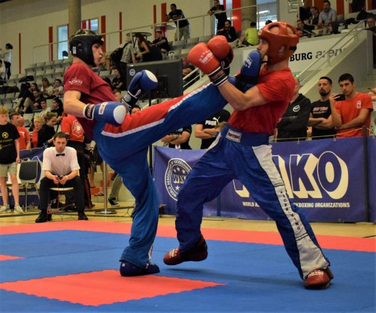 Niklas (links) klarer Sieg im Halbfinale
