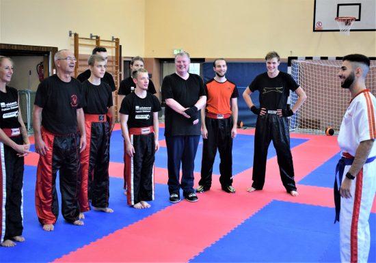 Volkan mit Trainingsgruppe