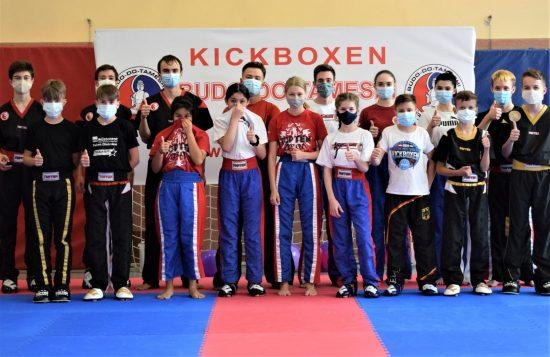 PF Team – Ohne und mit Mund- Nasenschutz